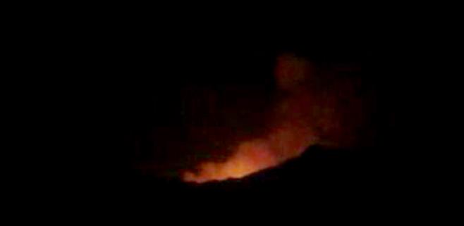 La magnitud del incendio obliga a solicitar la presencia de la UME