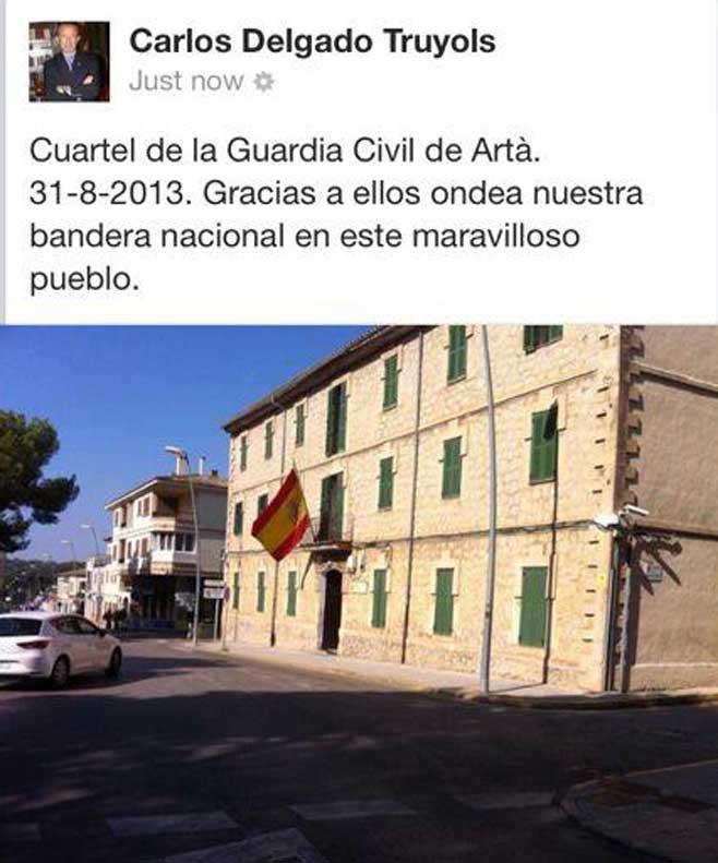 Delgado se apunta a la guerra de las banderas con una imagen en Facebook
