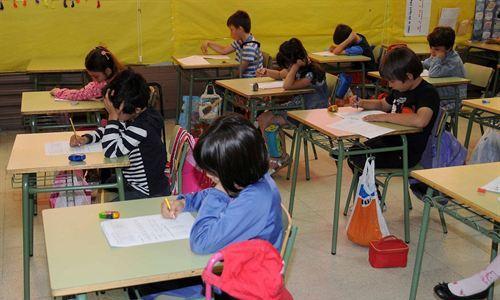 137 niños participan en un programa de acompañamiento en inglés