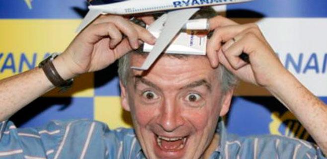 Ryanair estudia cobrar también por los equipajes de mano