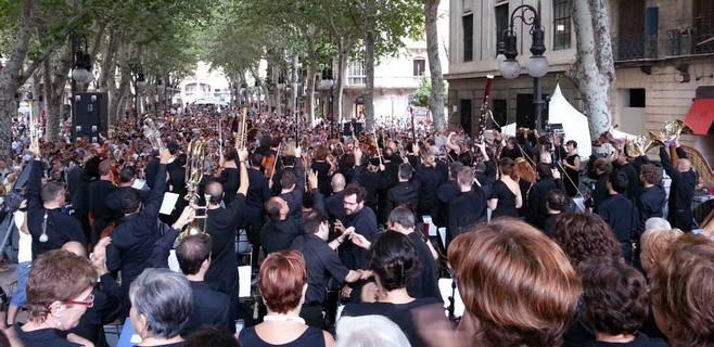 8.000 firmas pidiendo el cese de los recortes a la Orquestra Simfònica