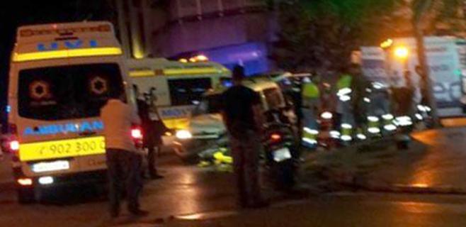 Un motorista herido grave en una espectacular colisión en Palma