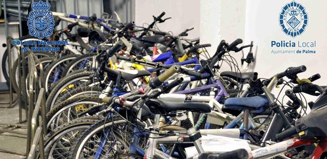 Bicicletas a la espera de su dueño