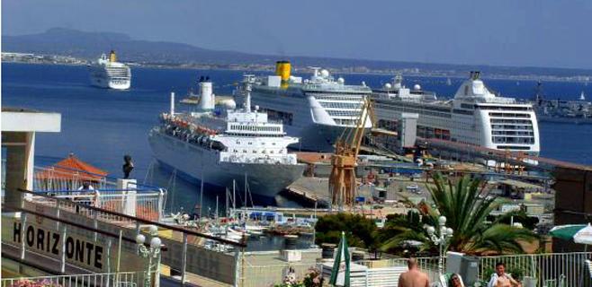 Más cruceristas en menos cruceros hasta octubre en los puertos baleares