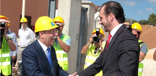 Red Eléctrica invertirá 1.000 millones en reforzar la línea con la península