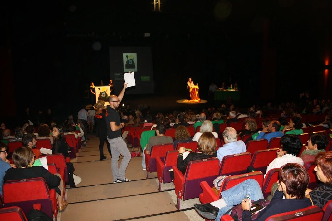 La subasta de arte deja 100.000 € en la caja de resistencia de los docentes