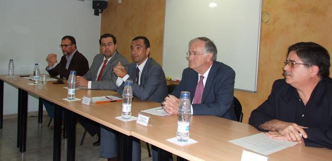 Govern y Ajuntament exponen sus propuestas a los empresarios