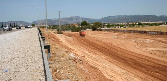 Las obras de desdoblamiento de la Ma-30 desviarán el acceso a Alcampo