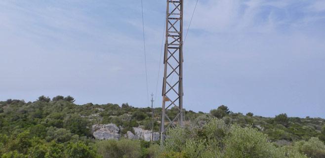 Endesa instala pararrayos en puntos clave de Menorca