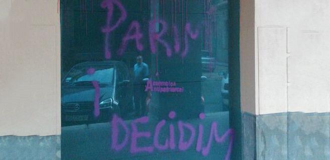Nuevas pintadas en la sede del PP