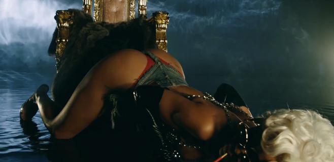 Rihanna se suma a la guerra del