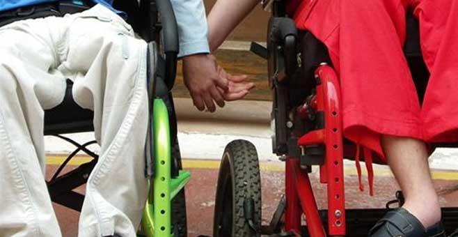 Los protesistas denuncian que el IB-SALUT les adeuda seis meses