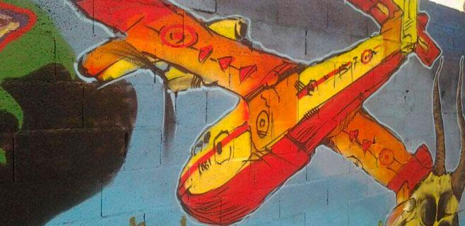 Los graffiteros tatúan en Palma el incendio de Andratx