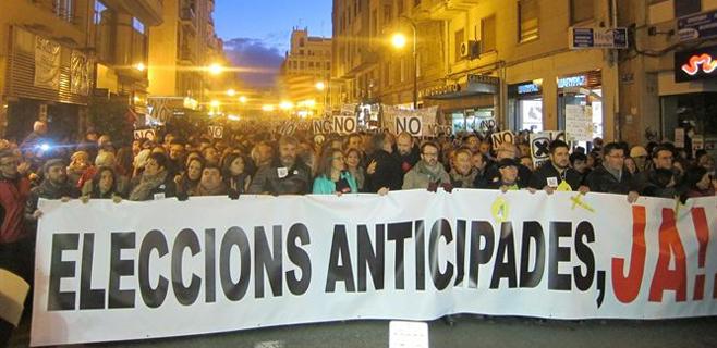 Gran manifestación contra el cierre de Canal 9