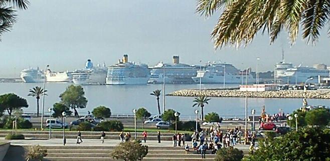 Los puertos de Balears pierden un 16% de cruceristas en los 4 primeros meses