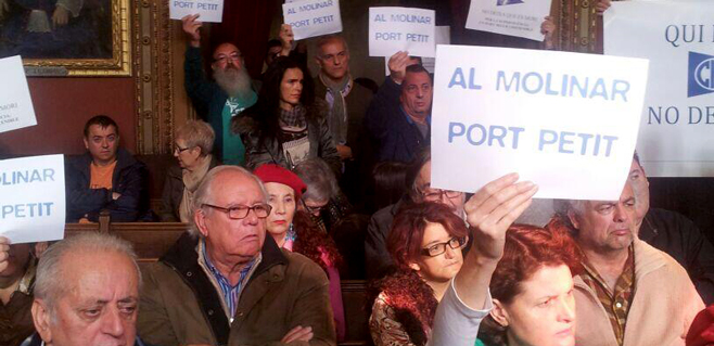Rechazo de los lectores a la futura ampliación del Club Marítimo Molinar