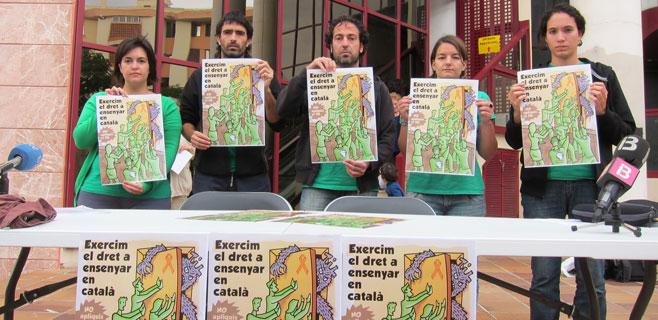 L´Assemblea insta a los profesores a que continúen enseñando en catalán