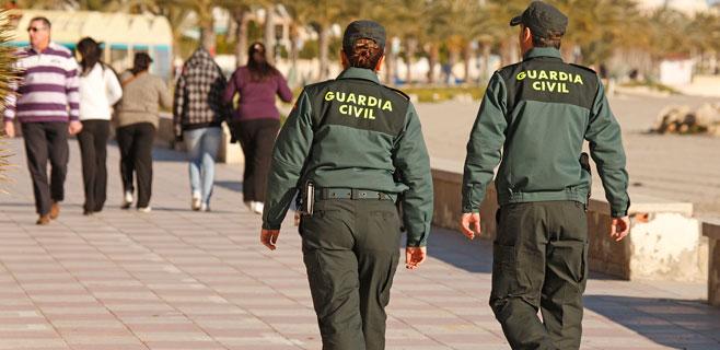 Los guardias civiles baleares recuperan el viaje anual gratis a la península