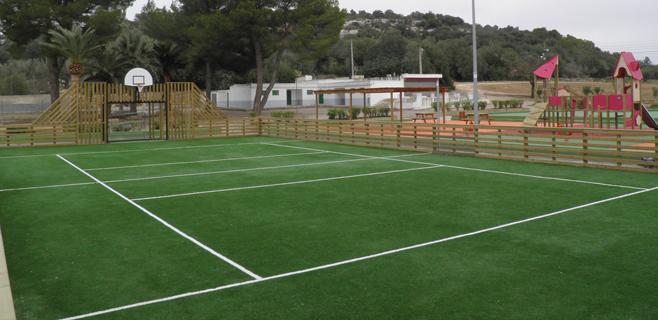 Felanitx estrena pista multideportiva con juegos infantiles