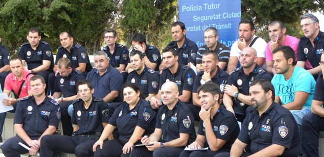Los estudiantes de las islas confían en el Policía Tutor