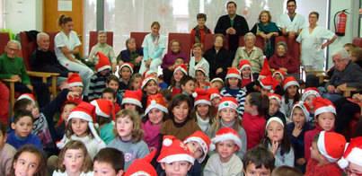 Niños y mayores de Marratxí celebran juntos la Navidad