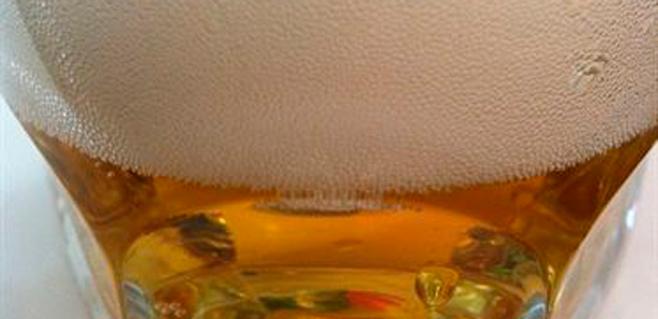 Un estudio desvela por qué la cerveza se hace espuma
