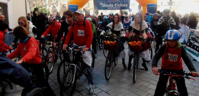 12.000 ciclistas desbordan la Diada
