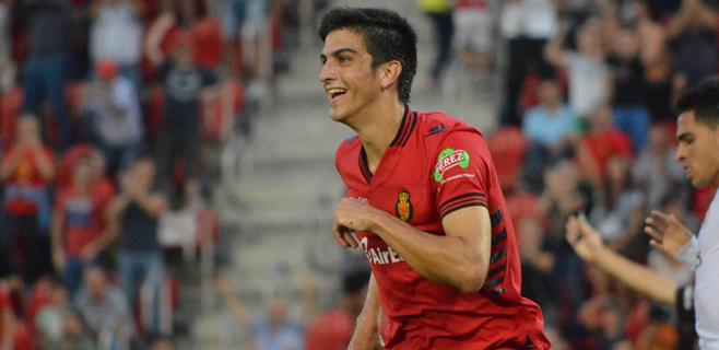 El Mallorca flirtea con el playoff (2-2)