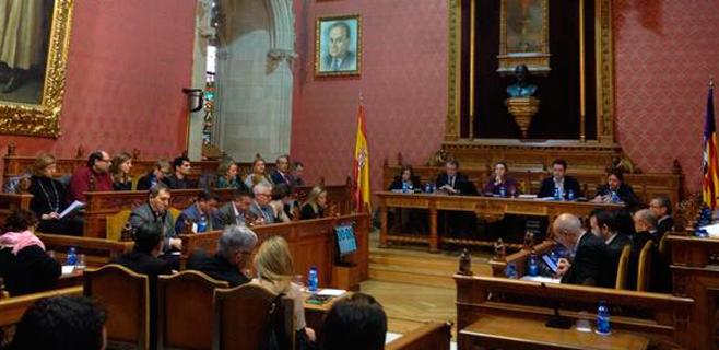 El debate de la cuatribarrada llega al pleno del Consell para presionar al PP