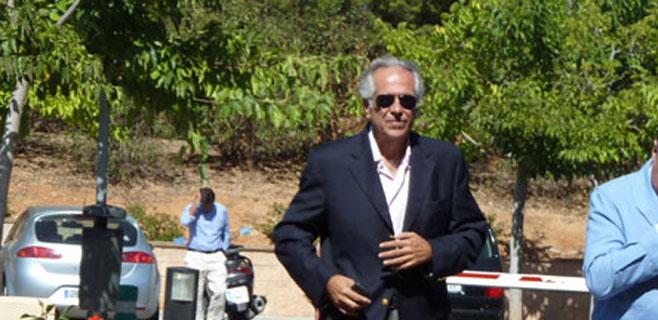 Turismo de Almuñécar premia a Rafael Caballero