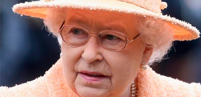 El Parlamento pide a la Reina de Inglaterra que gaste menos