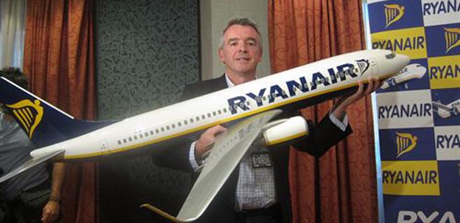 Ryanair rebaja el coste por maleta a 30 euros