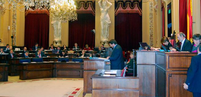 El Parlament se declara contrario a los sondeos petrolíferos en Balears
