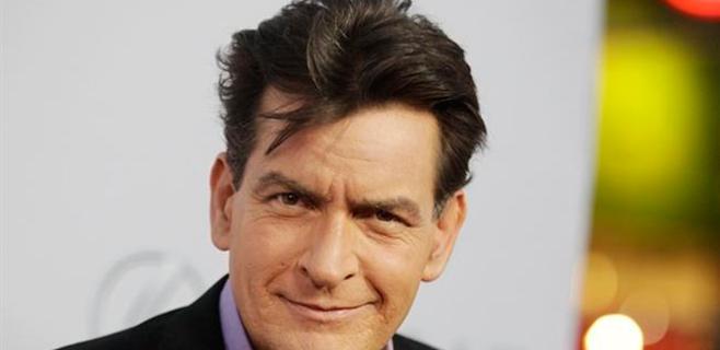 Charlie Sheen, hospitalizado por comer marisco