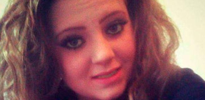 Una joven que se suicidó se mandaba mensajes de acoso