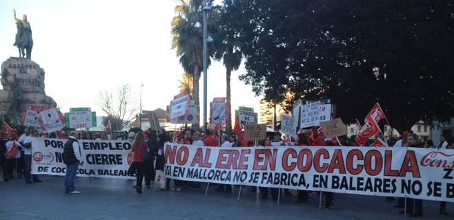 Los sindicatos rechazan la oferta de Coca-Cola y piden que pare el ERE