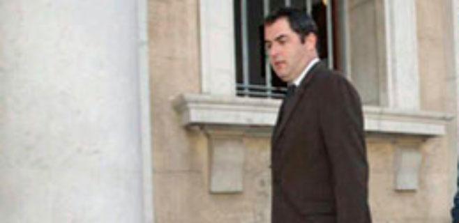 Josep de Luis, asesor de la Asamblea de Docentes