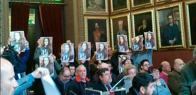 La familia pide a Cort que no olvide a Malén Ortiz y que ayude a encontrarla