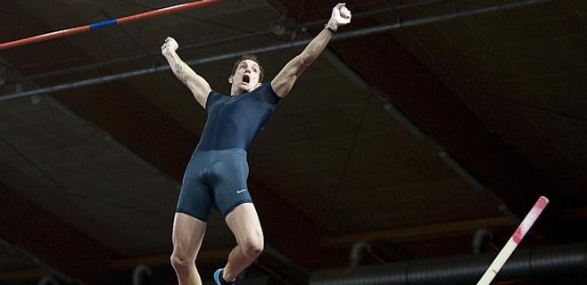 Renaud Lavillenie bate el récord de pértiga de Sergei Bubka