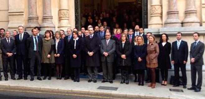Silencio parlamentario por el 11-M