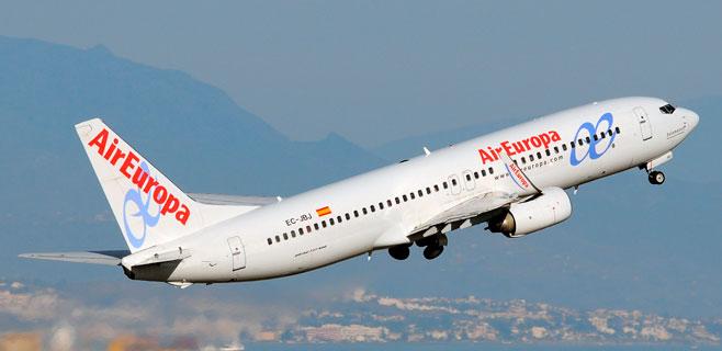 El Govern ve abusivo el negocio de venta online de las aerolíneas