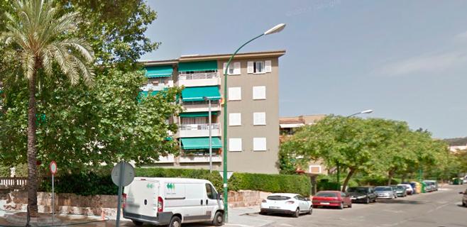 Tres heridos leves en un incendio declarado en una vivienda en Palma