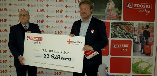 Eroski entrega 22.628 € a Creu Roja Balears