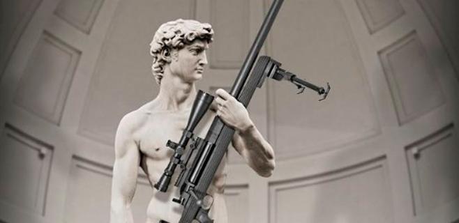 Italia se escandaliza al ver a David con un rifle