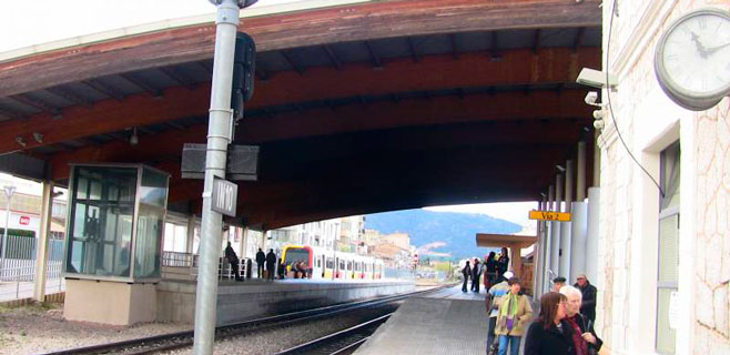 Todas las estaciones de tren de Mallorca estarán barradas este verano