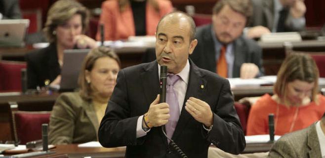 Gómez anuncia que el Govern quiere reducir y redimensionar los consells