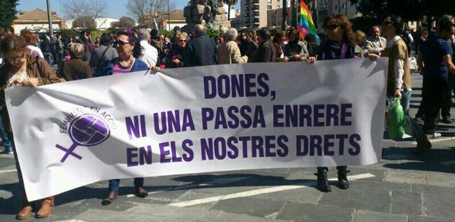 300 personas se manifiestan en Palma por los derechos de la mujer
