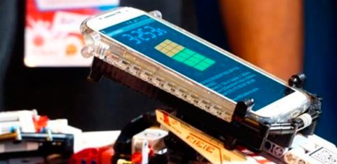 Un robot de Lego resuelve un cubo de rubik en 3 segundos