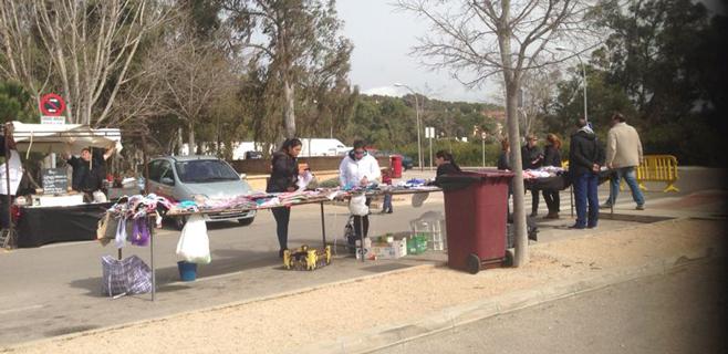 Comerciantes de Santa Pon�a ven intrusismo en el mercadillo