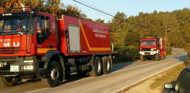 Trabajos de remate mantienen controlado el incendio de Es Cubells